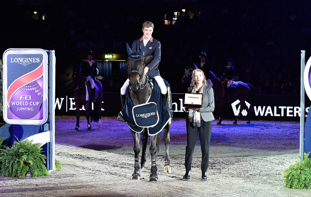 william whitaker wins stuttgart world cup video horse hound. Black Bedroom Furniture Sets. Home Design Ideas