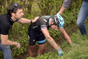 Ian Stannard crashes in Ghent-Wevelgem 2014
