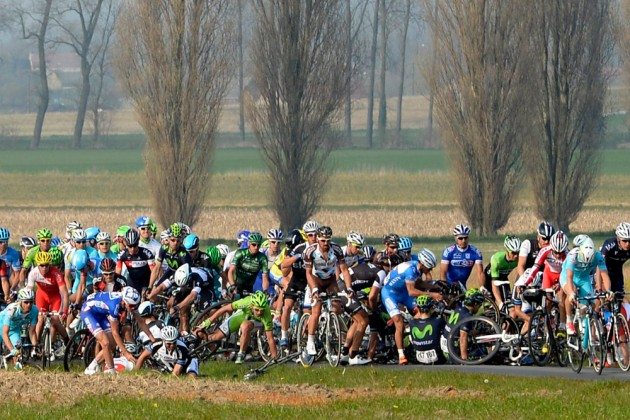 Photo: Crash during 2014 E3 Harelbeke Credit: Watson .