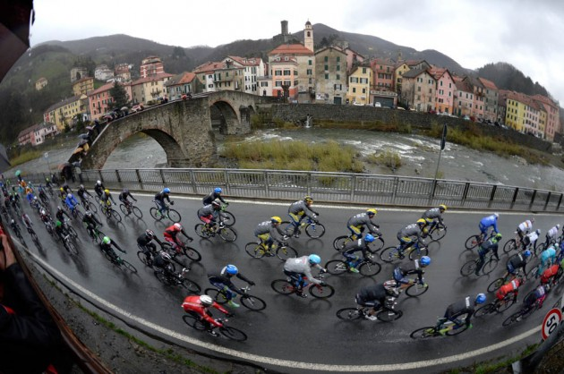 Photo: The peloton in the 2014 Milan-San Remo ...