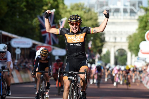 Giorgia Bronzini extended Wiggle-Honda's unbeaten record in the Prudential RideLondon Women's Grand Prix as she sprinted to victory on The Mall this evening. Photo: � (cyclingweekly.co.uk).