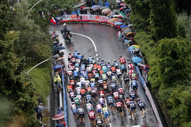 Photo: The peloton in the 2013 mens road race World Championship .