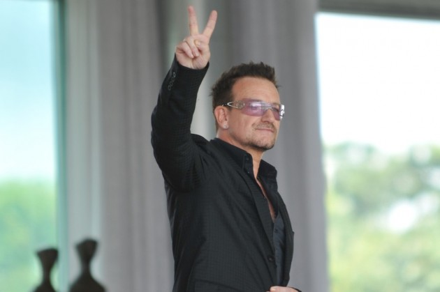 "bono chat sites U2's bono has become the world's richest pop star after raking in nearly £1  the  firm's website says, ""edun is building long-term, sustainable."
