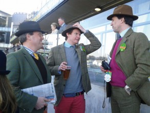 Sporting tip top titfers at Aintree