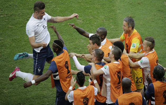 Giroud celebrates France first goal