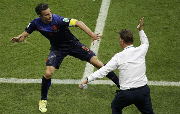 Luis Van Gaal congratulates Robin Van Persie