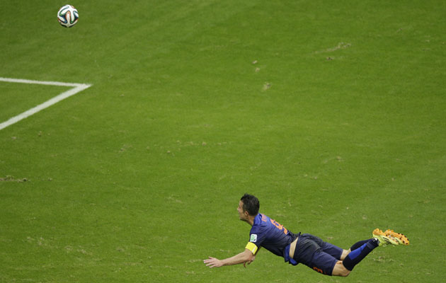 Robin Van Persie scores with a wonderful diving header.