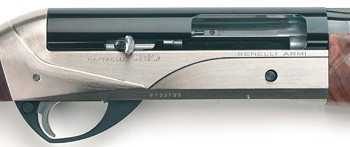 Benelli Crio semi-auto shotgun action.