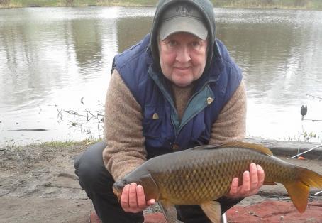 Common carp: Rob Williams' double