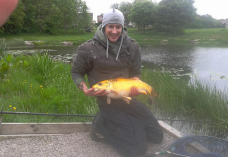 Fish caught at sammies pool fenton angler 39 s mail for Koi carp pole