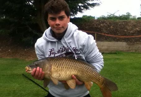 Common carp: new pb of 17 . 6 lbs