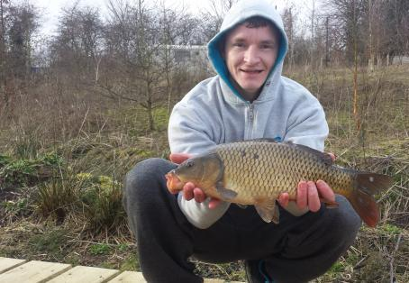 how to catch carp with bread