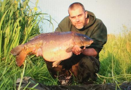 Mirror carp: 23lb 9oz river carp, June 16th