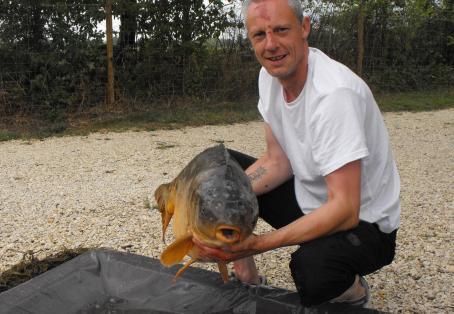 Mirror carp: My 33lb dead