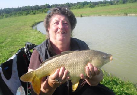 Common carp: Pauline Welch with a PB