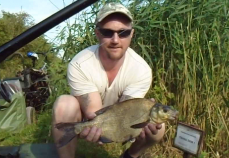 Bream: Devizes Canal