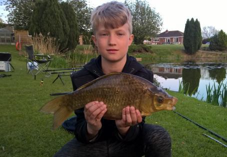 crucian: Aaron beating his pb by 1lb with this 3.8lb beauty