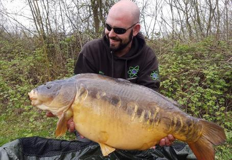 Mirror: Burghfield blue Pool biggest resident